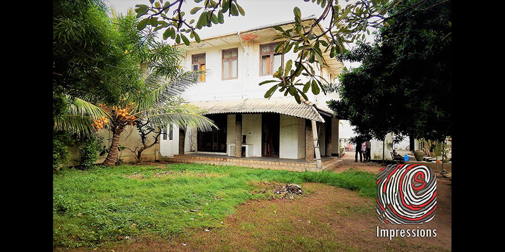 Large Colonial House in Bambalapitiya for RENT
