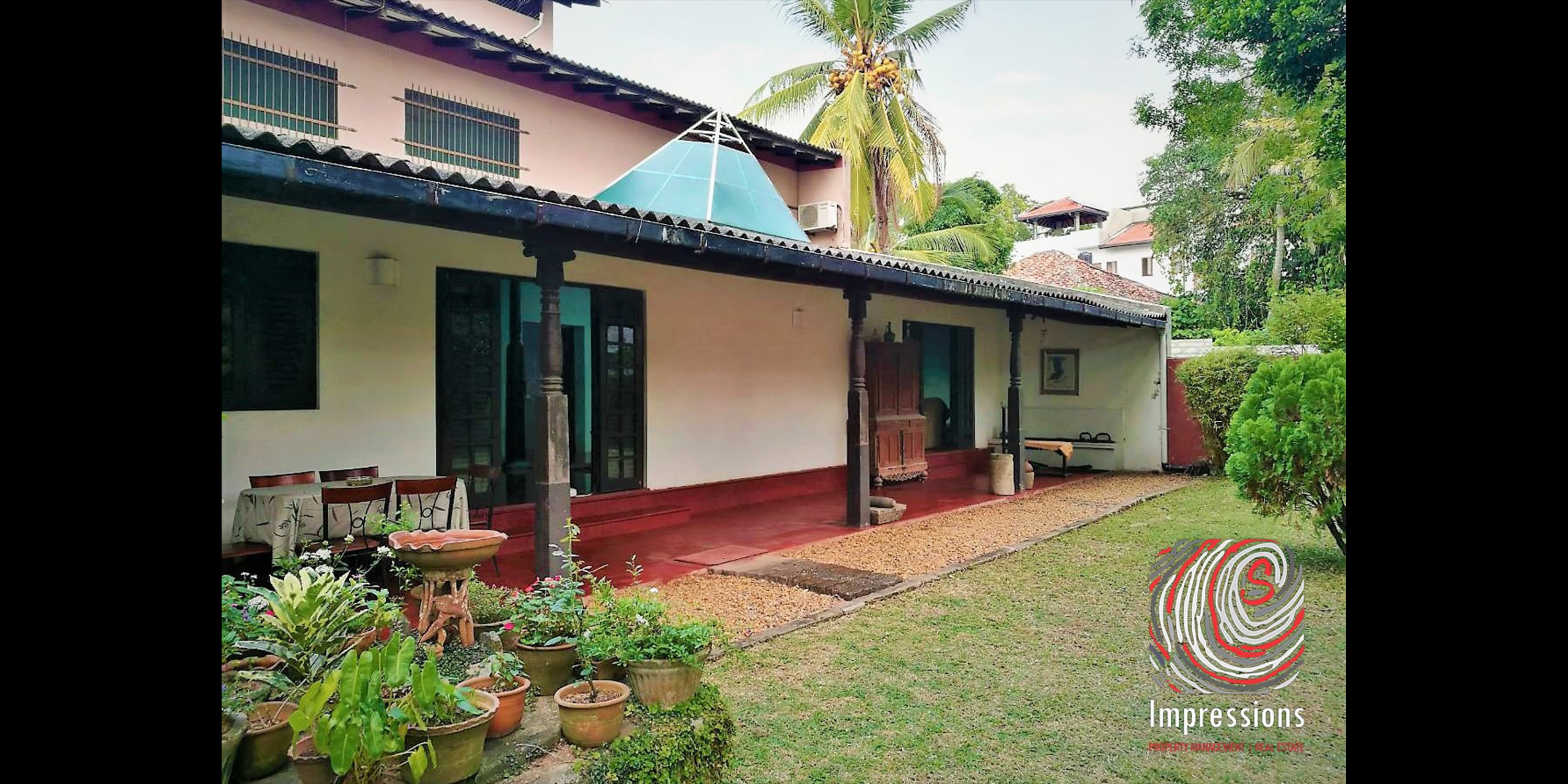 Well-maintained colonial house for SALE in NUGEGODA
