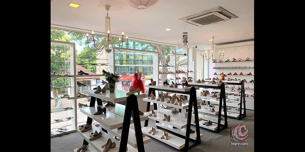 2 storey showroom space on Thimbirigasyaya for rent