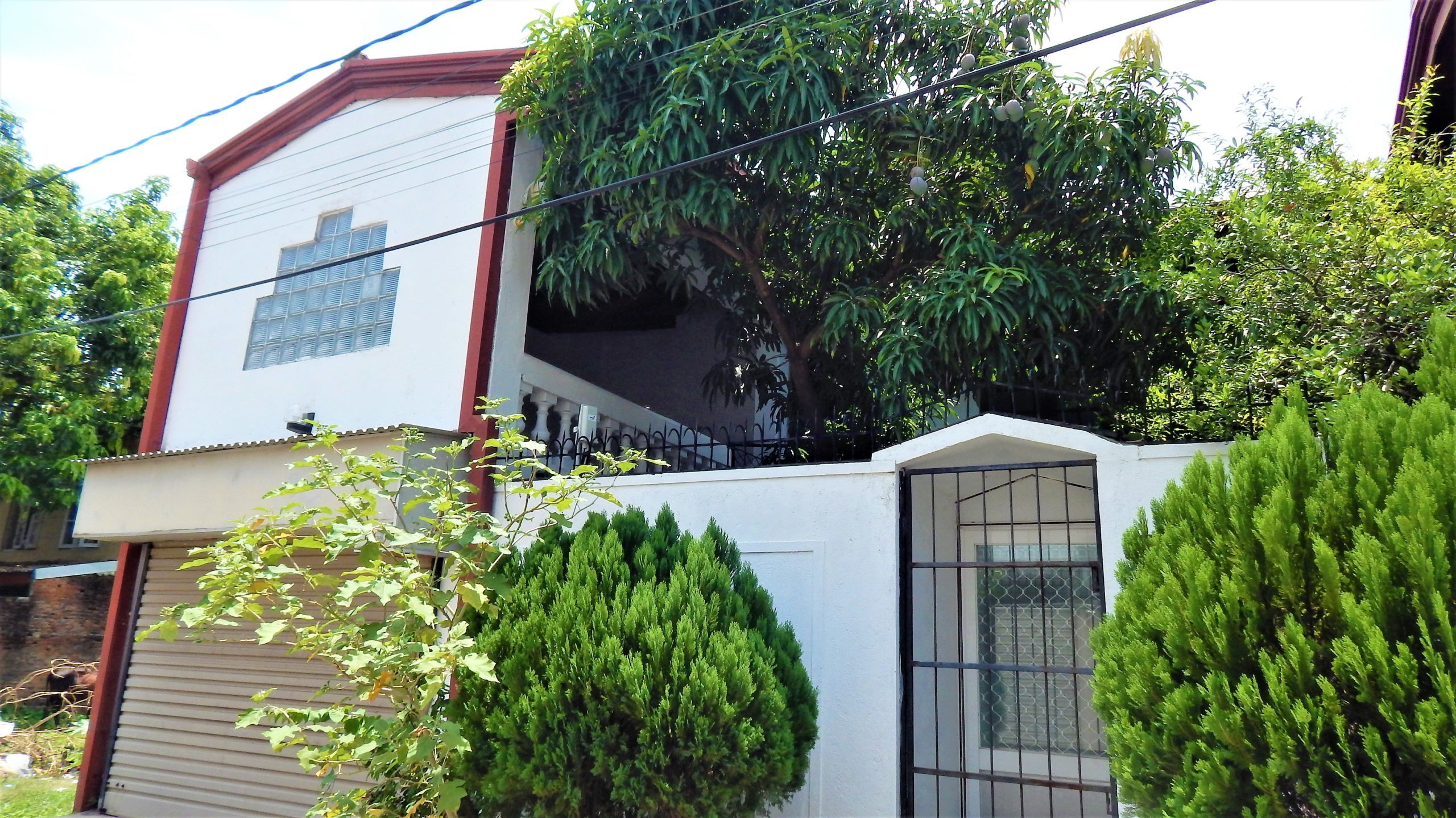 Spacious, 4 bedroom house for rent in Colombo 05